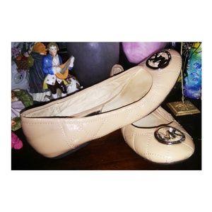 Michael kors shoes cream
